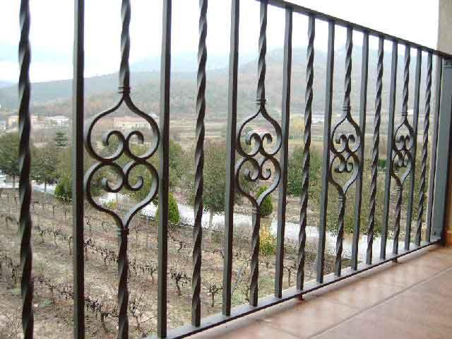 Talleres raluy barandillas de hierro y forja for Barandillas hierro forjado