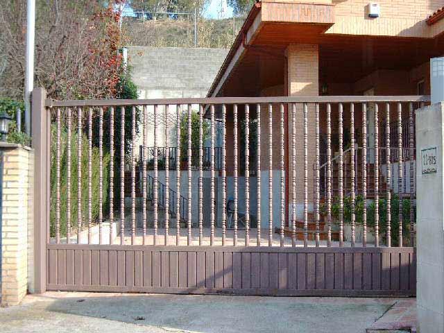 Talleres raluy puertas correderas Puertas corredizas hierro