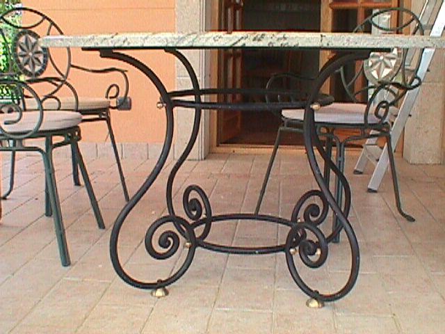 Talleres raluy mesas artesanales for Mesas de plastico para jardin
